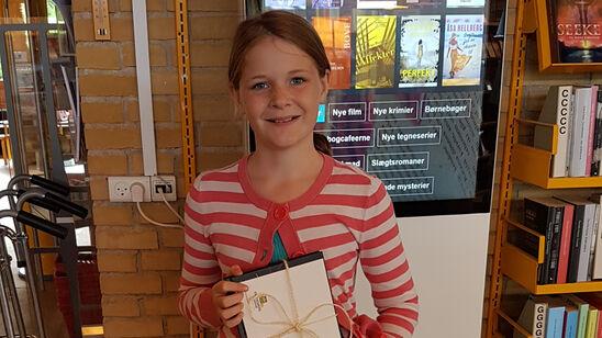 Emma vandt 1. præmien i den lokale udgave af årets læsekampagne Sommerbogen