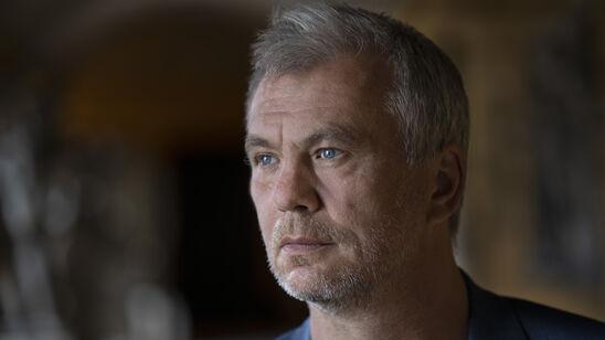 Portræt af forfatter Jesper Stein