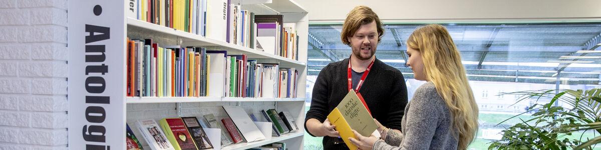 Book en bibliotekar og få hjælp til, hvordan du bruger bibliotekets mange tilbud