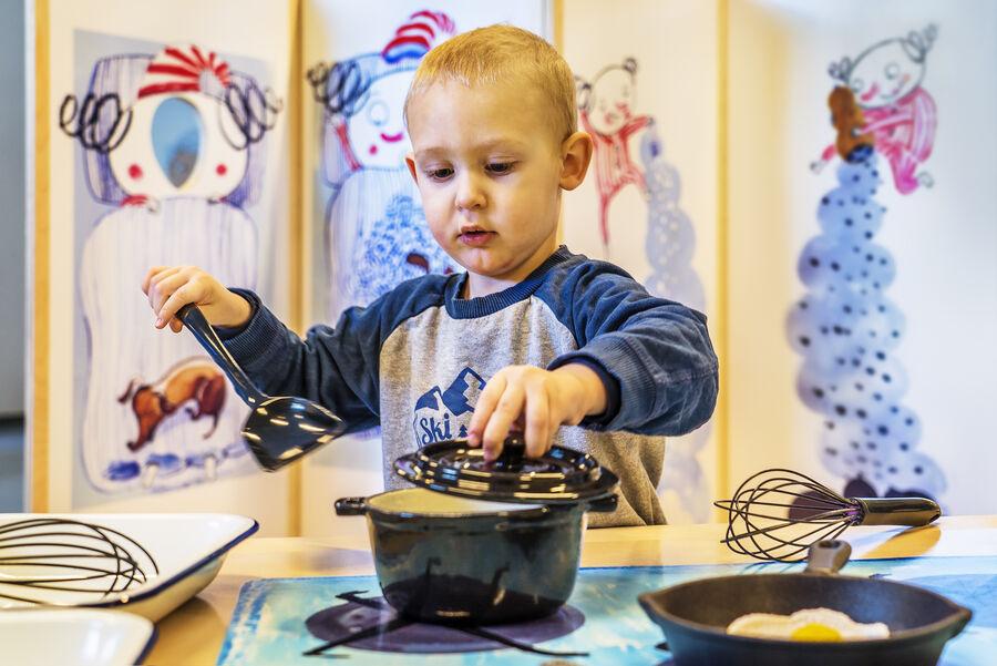 Børnene kan selv give den som kok i Hr. Struganoff's univers