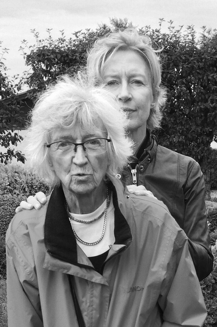 Hør om demens, når Ina Kjøgx Pedersen fortæller sin personlige beretning om sygdommen som pårørende