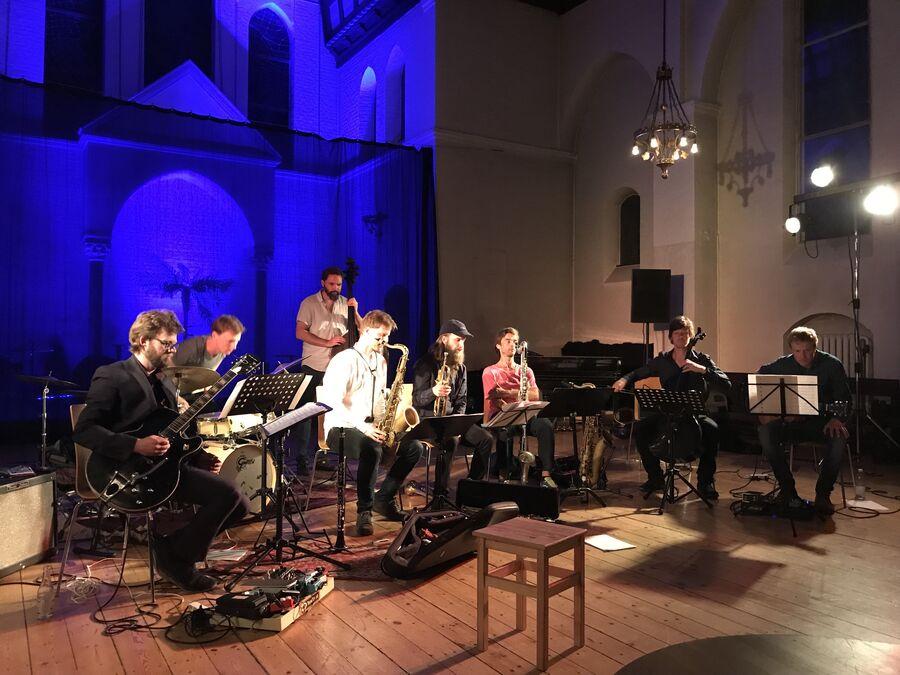 Jazzbandet Storalven optræder